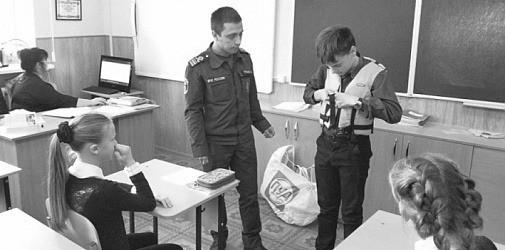 Инспекторы ГИМС проводят плановые занятия в школах