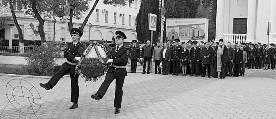 Полицейские почтили память сотрудников органов внутренних дел