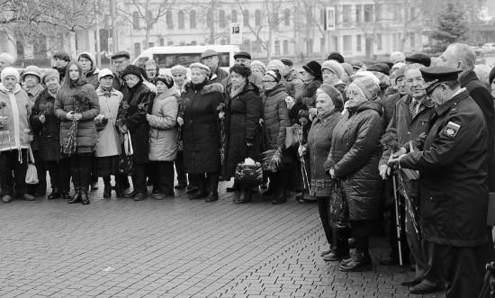 В Севастополе отметили годовщину снятия блокады Ленинграда