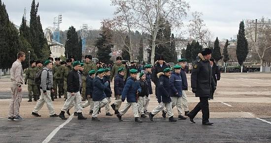 дети в гостях у военных