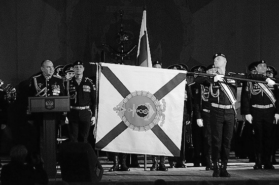 Личному составу Черноморского флота представили Боевое Знамя нового образца