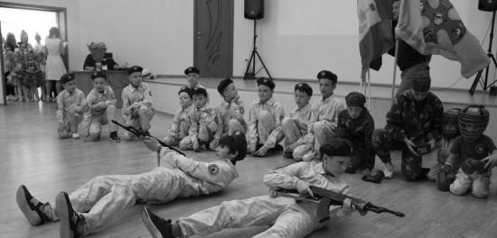 Юные севастопольцы устроили праздник пожилым людям