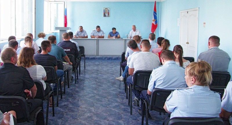 В Севастополе состоялась встреча председателя Общественного совета и руководства УМВД с личным составом ОМВД России по Гагаринскому району