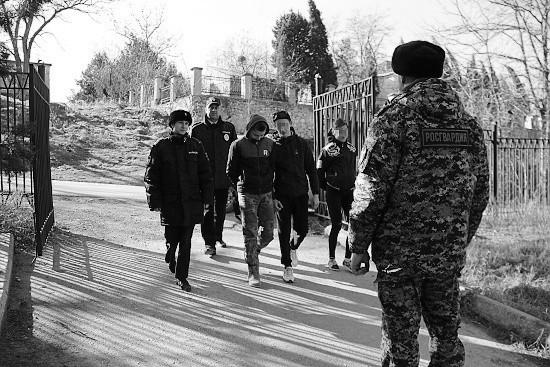 Росгвардейцы в Севастополе нашли сбежавших детей