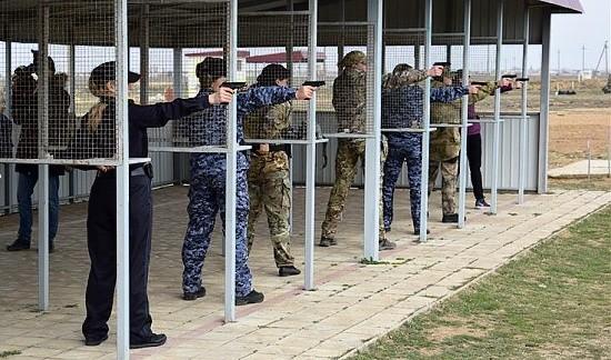 стрельба из пистолета у женщин