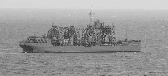 Аварийно-спасательный отряд отрабатывает действия в море