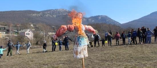 сжигание Масленицы в Севастополе