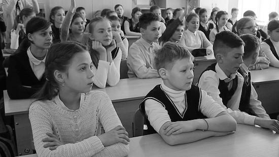Сотрудники МЧС и инспекторы ГИМС встретились со школьниками