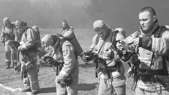Газодымозащитники прошли тренировку на огневой полосе