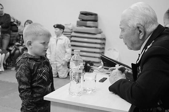Юные спортсмены встретились с ветераном в Севастополе