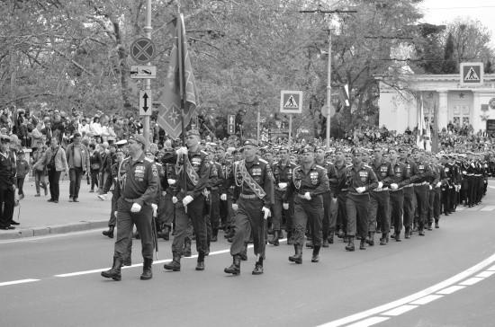 Севастопольские спасатели и кадеты МЧС приняли участие в Параде Победы