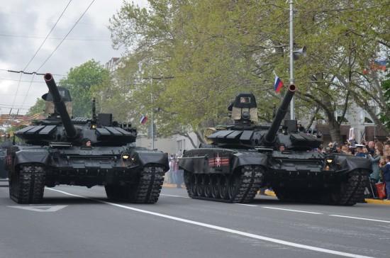 танки в городе