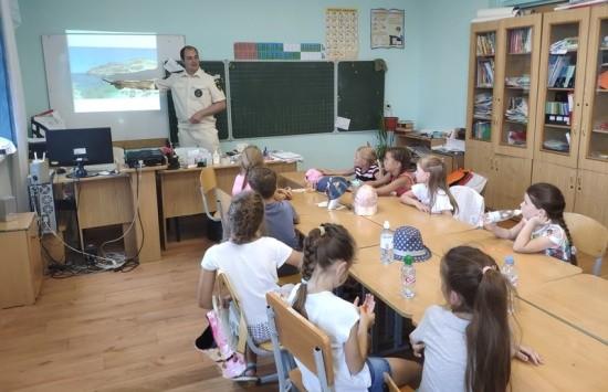 Дошкольникам о отдыхе без риска рассказали сотрудники ГИМС