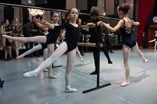 Академия хореографии в Севастополе проводит набор детей