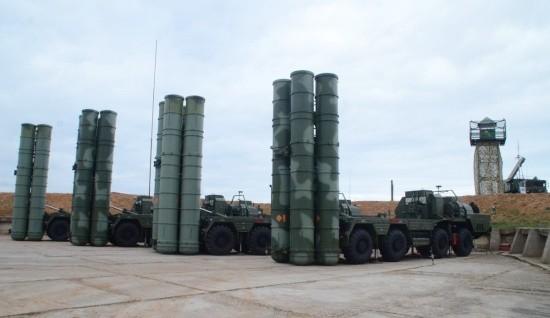 Боевые расчёты С-400 «Триумф» провели учение в Крыму