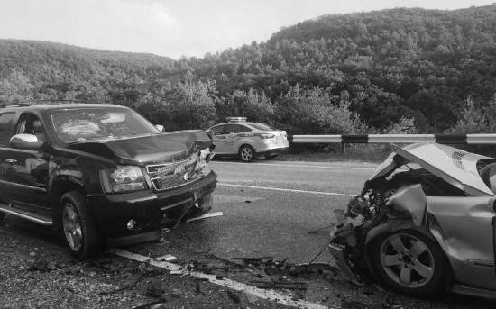 Четыре человека пострадали в результате ДТП на автодороге Ялта – Севастополь