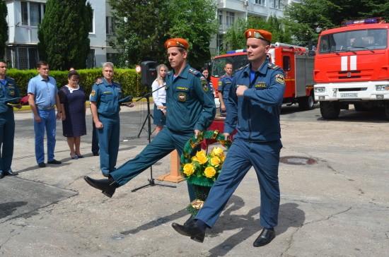 6-ая пожарно-спасательная часть Севастополя отмечает 60 лет (видео)