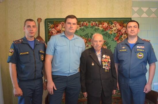 Участника Великой Отечественной, ветерана пожарной охраны поздравили с Днем рождения