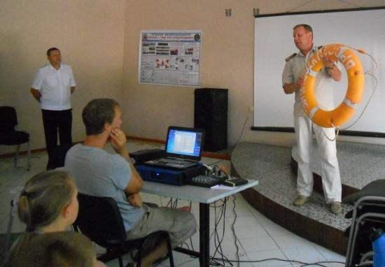 Сотрудники ГИМС продолжают проводить профилактические уроки в летних лагерях