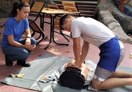 Сотрудников «Лукоморья» обучили навыкам оказания первой помощи