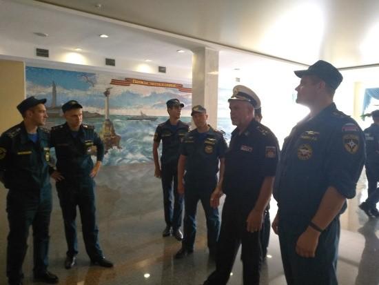 Севастопольские спасатели провели занятие на территории Президентского кадетского училища