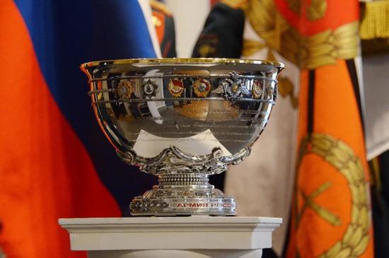Морской пехоте Черноморского флота вручили знак воинской доблести – Полковую чашу