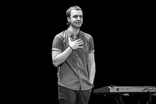 Резидент шоу «StandUp» выступил в Севастополе
