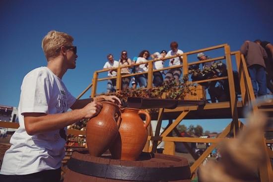 Фестиваль WineFest под Севастополем собрал 25 тысяч гостей
