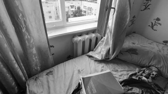 В Севастополе из окна квартиры выпал ребенок