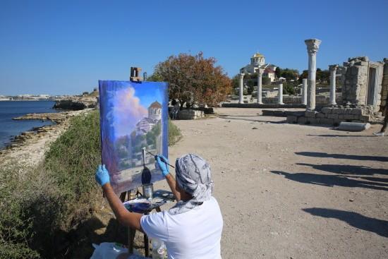 В Херсонес приехали художники из Италии
