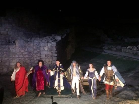 В Херсонесе состоялся последний в этом сезоне показ спектакля