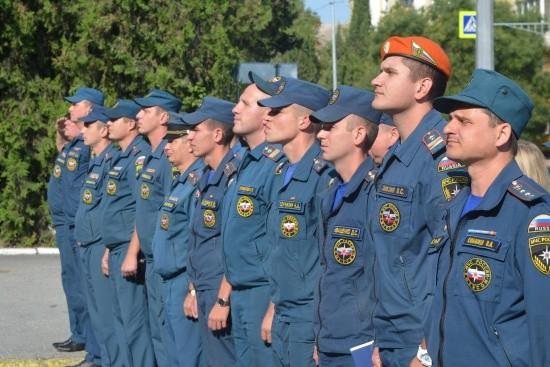 Севастопольские спасатели провели митинг-реквием, посвящённый Дню солидарности в борьбе с терроризмом