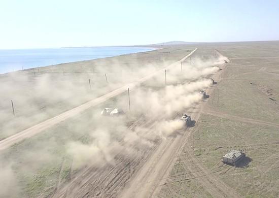 Порядка 3 тысяч военнослужащих задействованы в учении на полигоне Опук в Крыму