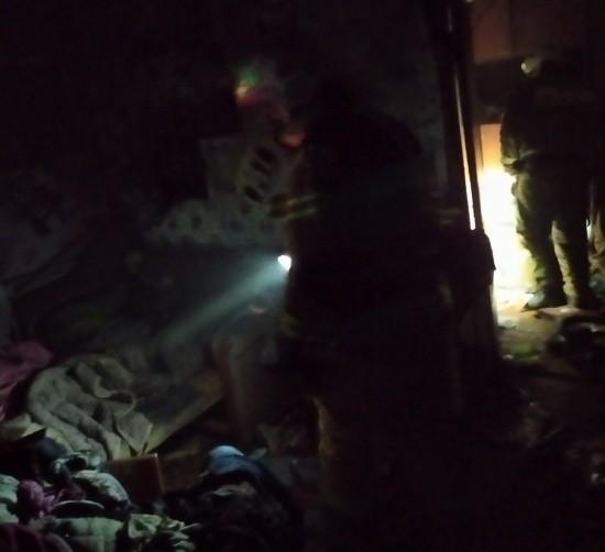 Севастопольские огнеборцы спасли на пожаре женщину