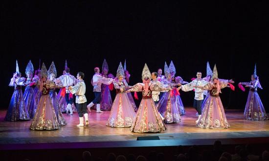 Танцевальный калейдоскоп на сцене Дворца культуры рыбаков