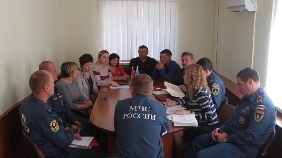Руководство севастопольского МЧС стремится решить проблемный вопрос с проживанием семей ветеранов в интересах граждан