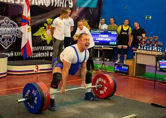 В Севастополе завершился чемпионат Вооруженных Сил России по пауэрлифтингу