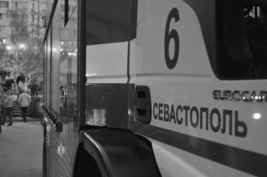 В Севастополе сотрудники МЧС деблокировали водителя, пострадавшего в ДТП