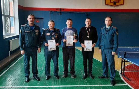 Севастопольские спасатели соревновались в настольном теннисе