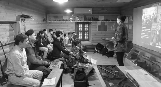 Юные спортсмены Севастополя продолжают обучение в батарейной школе