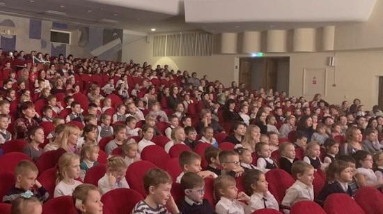 Сотням юных севастопольцев подарили волшебную сказку