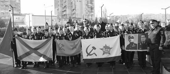 В Севастополе открыт памятный знак Герою Советского Союза Астану Кесаеву