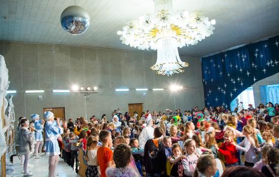 Для детей Севастополя прошла развлекательная программа «Вместе встретим Новый год!»