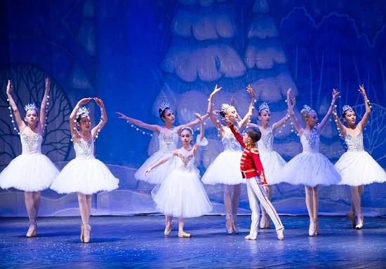 В Севастополе состоялась премьера балета-сюиты «Щелкунчик»