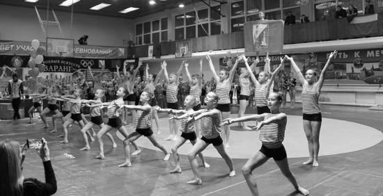 В Севастополе прошли соревнования по спортивной акробатике