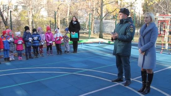 Севастопольские спасатели продолжают профилактические мероприятия в образовательных учреждениях (видео)