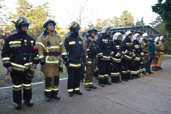 На базе клинического госпиталя в Севастополе прошли пожарно-тактические учения