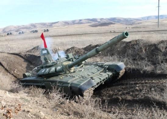 Танкисты провели учебные стрельбы на полигоне «Ангарский»