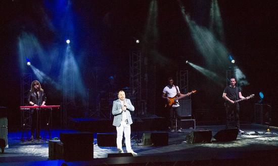 В Севастополе с концертом выступил Ярослав Сумишевский