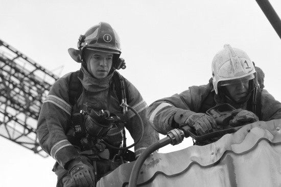 В Севастополе произошел пожар на территории рынка «Чайка»